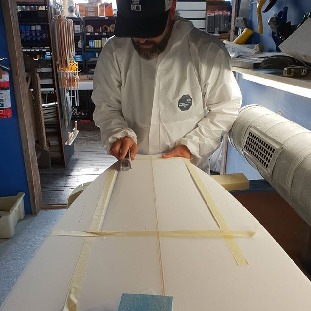 Julien came from Mundaka Spain for a holiday and booked into a private course on Thursday and whipped up this 6'2 5 fin bonzer fish. This sled should come up a jam once glassed.