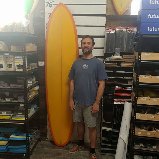 Leo ended up with this amazing midlength  bonzer 2+1. Volan orange tint, with a  yellow  deck foam stain. Glass on 11' bonzers. 9 hours of the hard yards and bang. Well done @leo.baker  looks amazing.